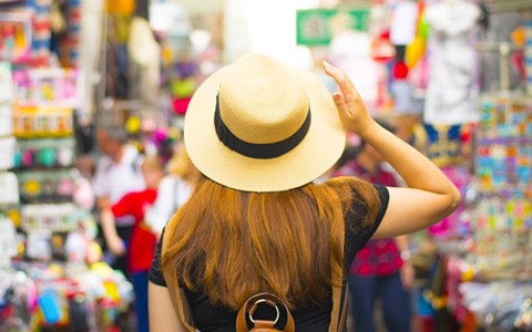 What to look out for when shopping in Hong Kong